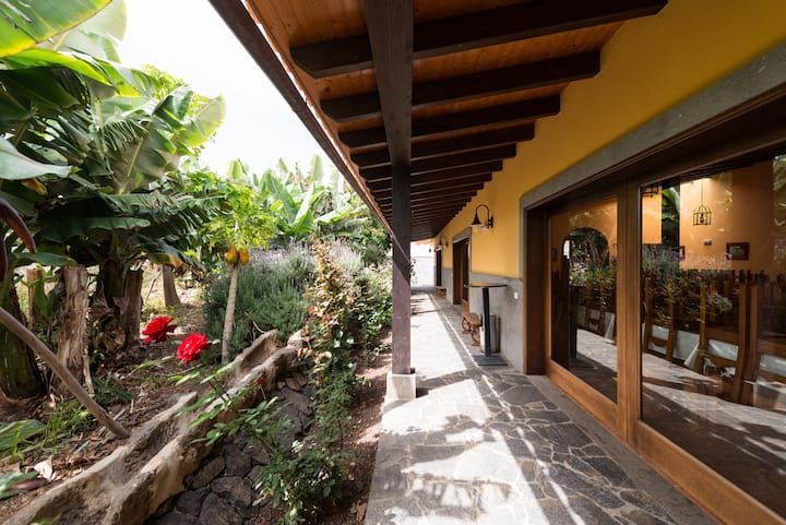 House Los Parrales (Ideal for families and groups)