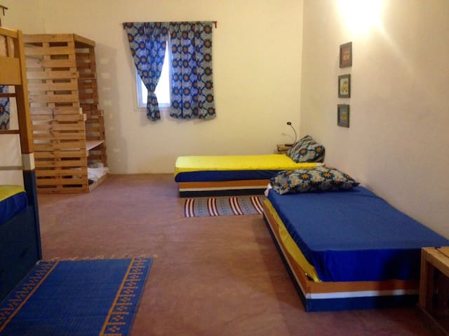 Big Room & 6 beds in the nature! - Toubab Dialao - Bed & Breakfast