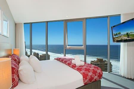 Luxury Residence above Hilton Hotel - Surfers Paradise