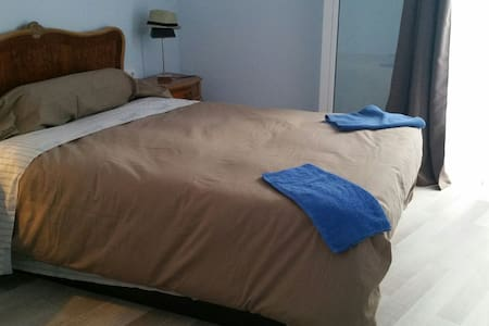 Room for fun & Straight people - Sitges - Bed & Breakfast