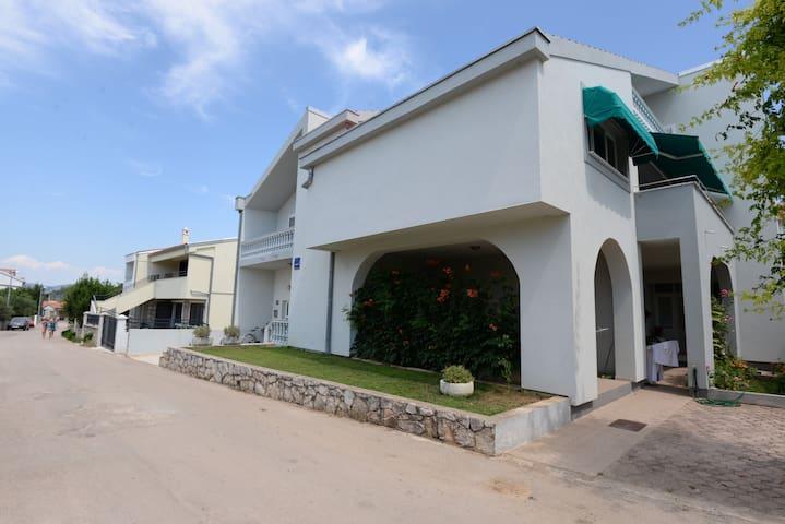 Villa Ines apartment A2 - Murter - Apartament