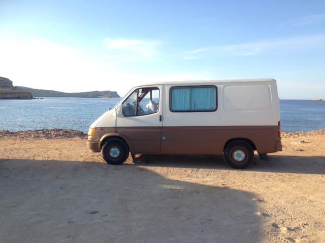 Menorca Campervan + Seguro = AVENTURA...
