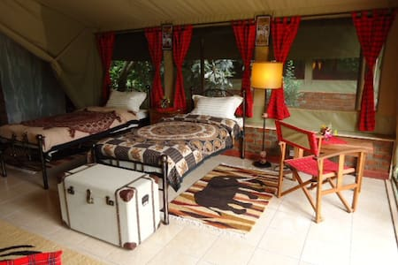 "Beautiful Safari Suite""Punda Milia"" - Nairobi - Bed & Breakfast"