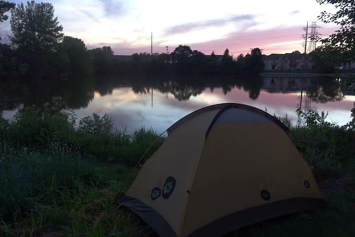 Pondside camping. 5 minutes to Purdue stadium.