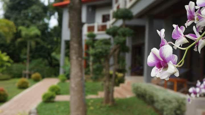 Lanta Intanin Resort (Superior Room)