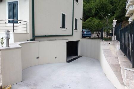 Апартаменты класса люкс с одной спальней - Herceg - Novi - Huoneisto