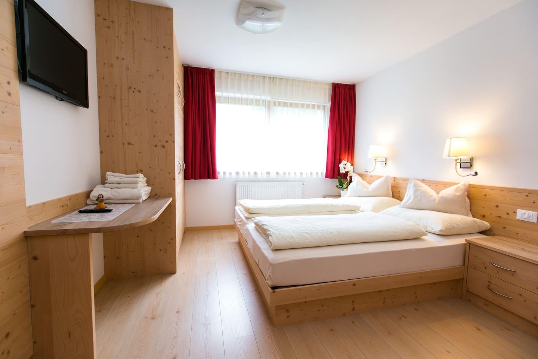 Stanza da letto- bedroom- Schlafzimmer