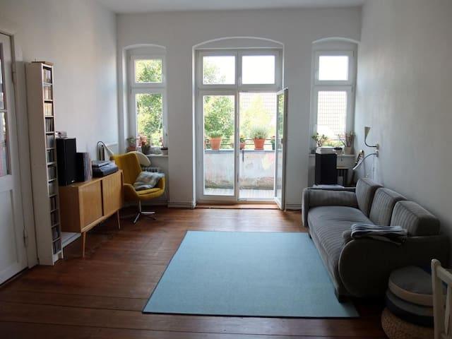 Apartment in Nord-Neukoelln - Berliini - Huoneisto