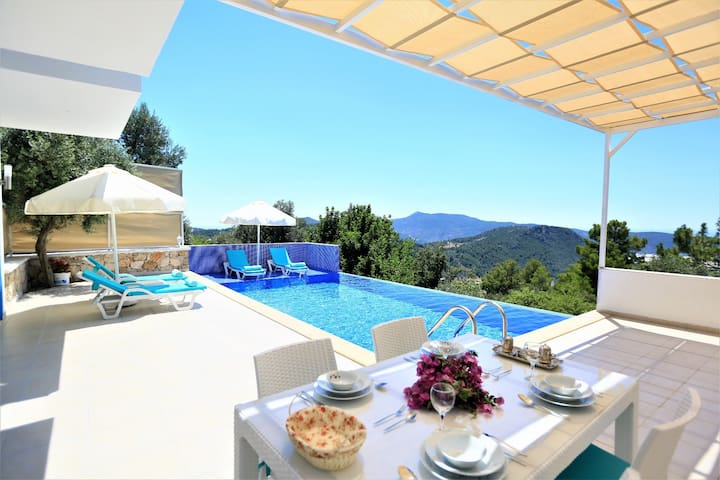Secluded Holiday Villa in Uzumlu Village of Kalkan