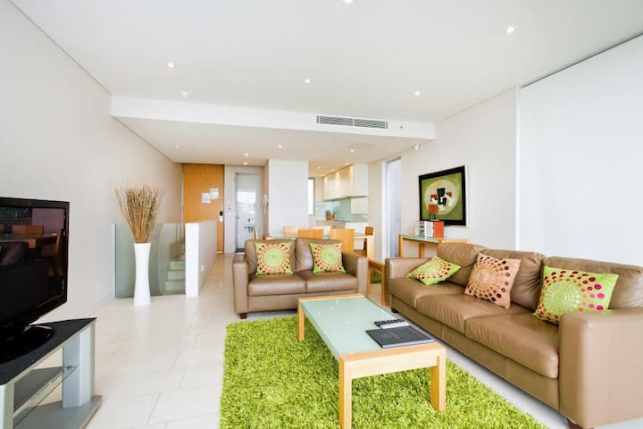 Luxury Two Bedroom-Unlimited WIFI! - Noosa Heads - Huoneisto