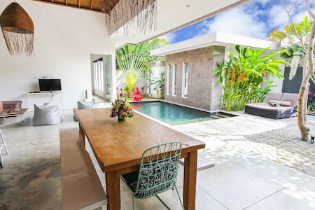 Beautiful 3bdr home in Seminyak.