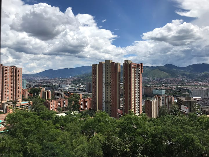 Great apartment, sweet view in heart of Medellin