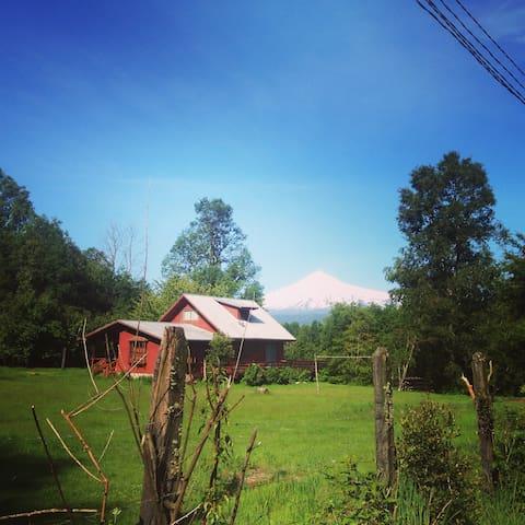 Hermosa parcela para hospedaje de aventureros - Licanray - Alojamento na natureza