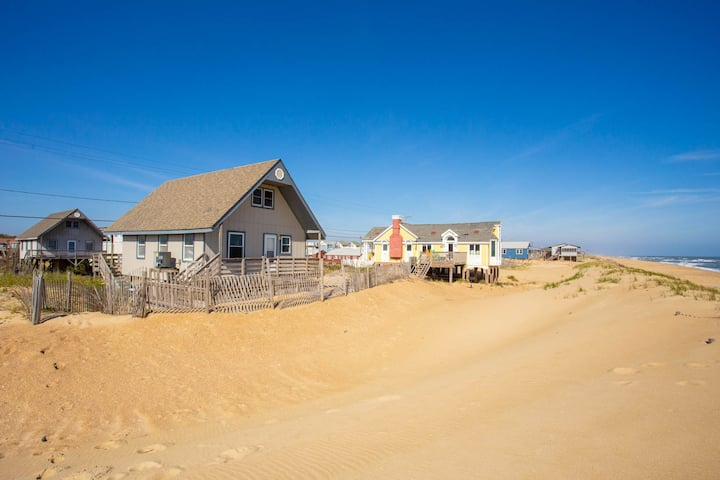 4060 Foxhole * Oceanfront * Walk to Local Restaurants & Shop