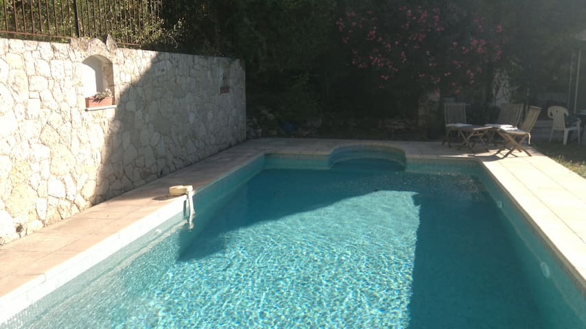 Pool studio de 30m2 vue montagne - Le Bar-sur-Loup - Apartment