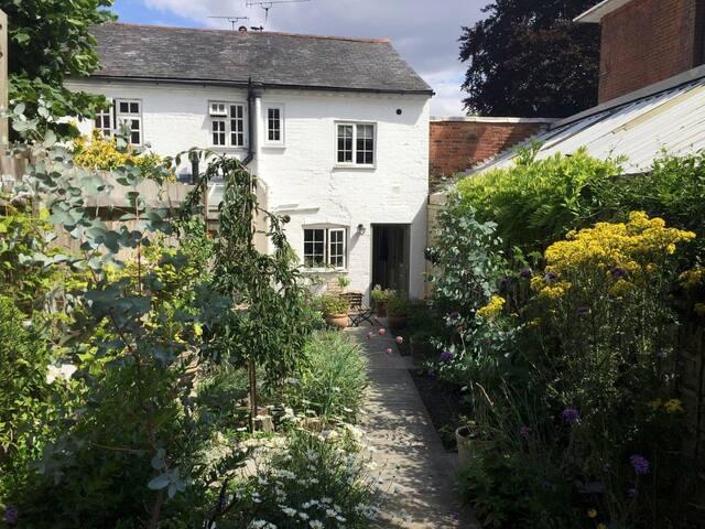 Hyde Cottage (M555045)