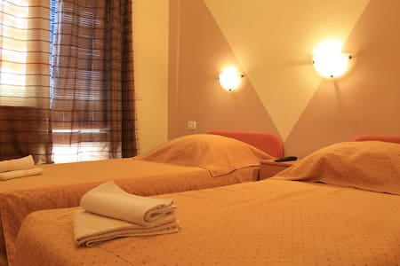 Room with bathroom,terrace,B&B,no`9 - Pula
