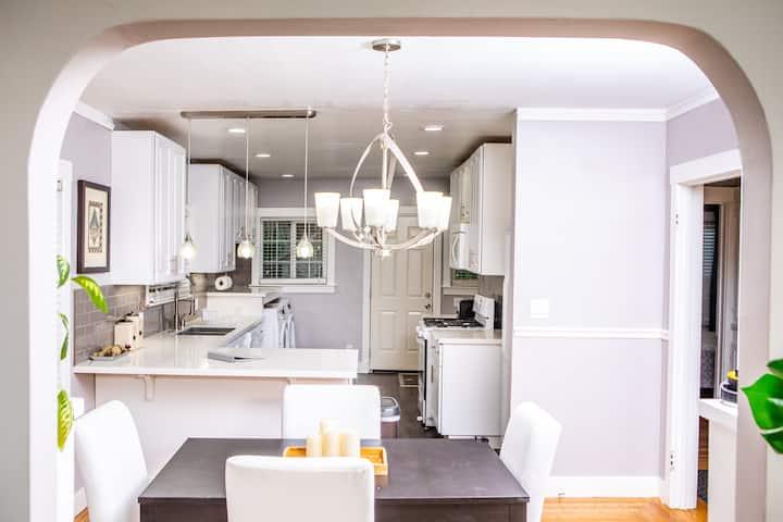 Amazing Kitchen - 2BR Central Sacramento Bungalow