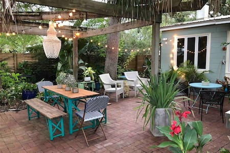 Mid Century Park Front Oasis, ideal location