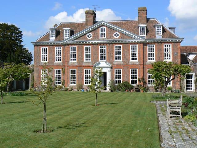 Stunning 1700's Manor nr Canterbury