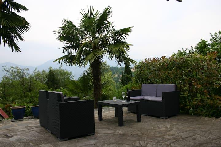 Holidayhouse Lago Maggiore 50 Luino - Brezzo di Bedero - Casa
