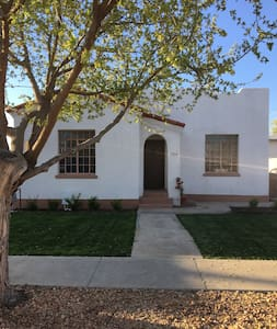 Downtown Historic Adobe Home - Las Cruces - Talo