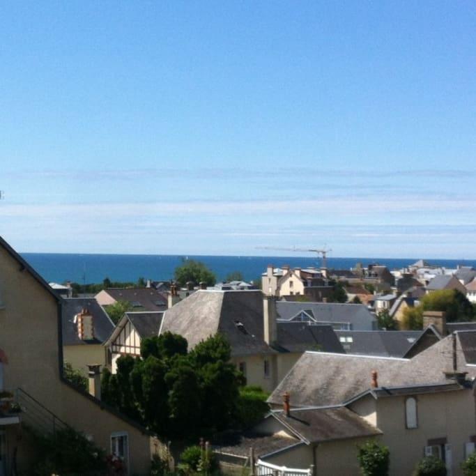 vue mer de l'étage. Elle est aussi visible depuis le salon
