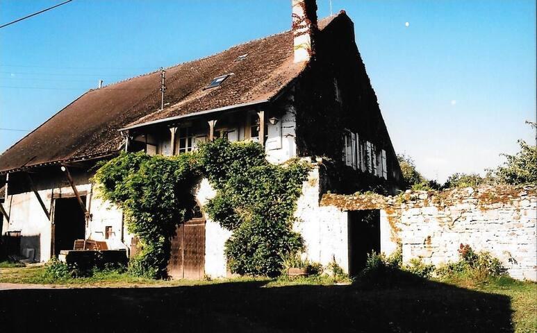 Maison de famille avec jardin - Bissey-sous-Cruchaud - Hus