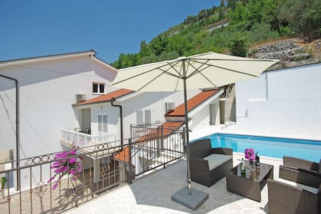 "Vacation home ""PROLOGOS"" - Croatia - Veliki Prolog - Talo"