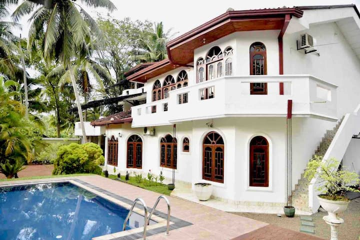 """Desire"" holiday villa (per room price)"