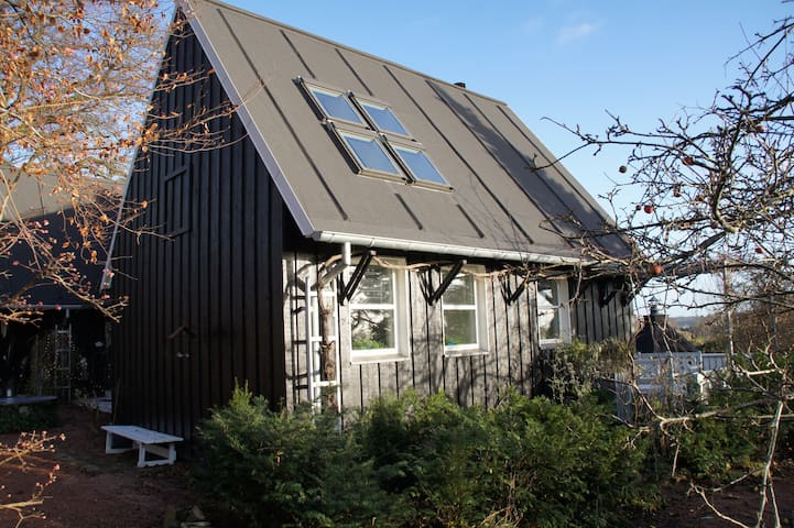 Hus i 2 etager med panoramaudsigt - Randers NØ - Casa