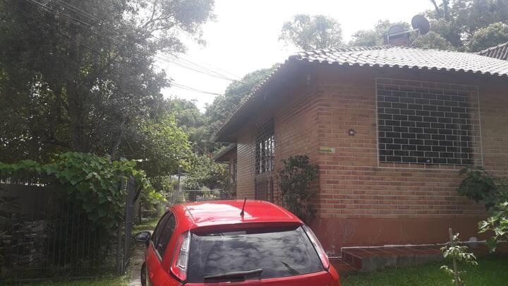 Casa em condomínio fechado próx ao Parque Barigui