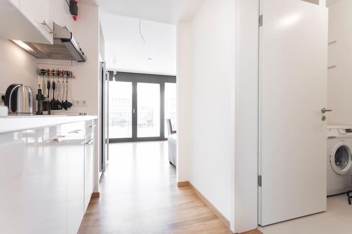 Modern bright studio in City Centre - Frankfurt - Apartment