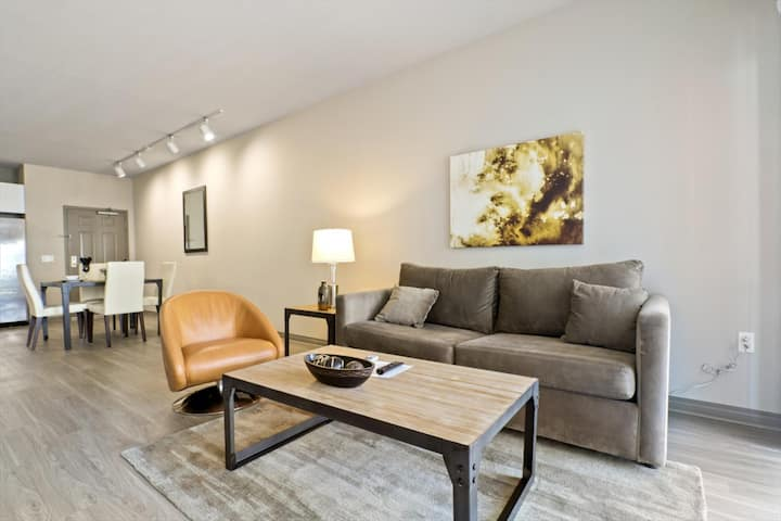 Work From Home | 1BR | Venice Beach | by GLS