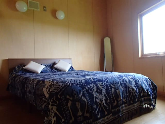 double size bed room_east