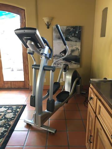 Life fitness precor machine in the Pool house Villa