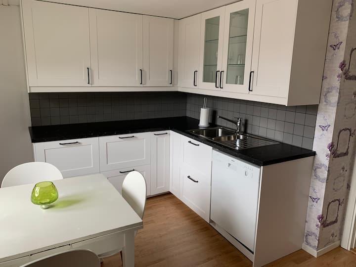 Lägenhet med egen entré i centrala Dalsjöfors