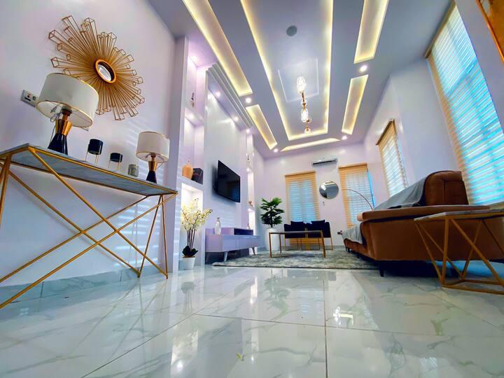 BaitsLiving Apartment, 4-Bed Detached Duplex Osapa