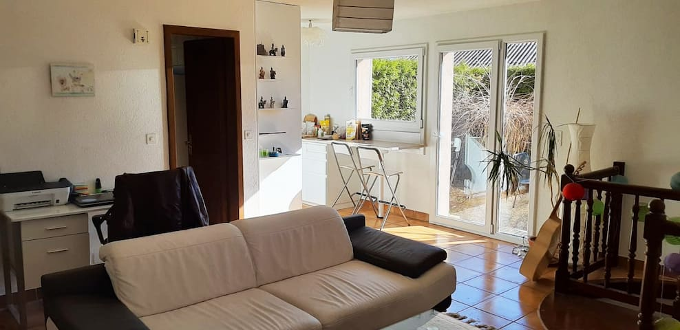 Appartement 2.5 pièces avec petit jardin privatif