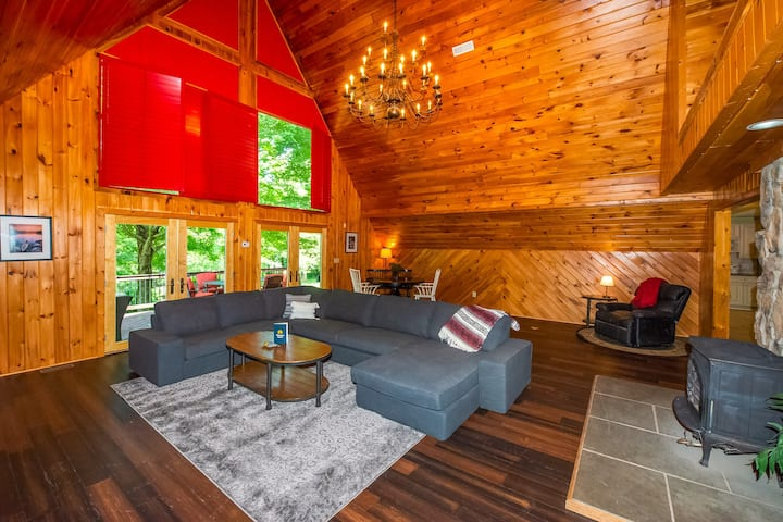Lakefront & family-friendly retreat w/ private dock & sandy beach