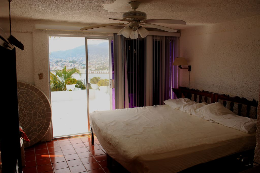 King Size Ocean View Room