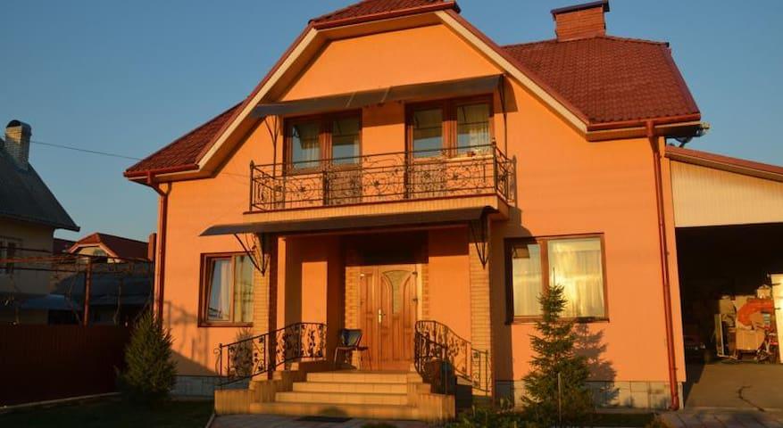 Семейный дом - Uzhhorod - Talo