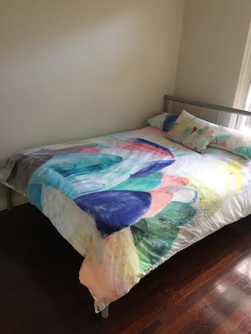 Room with double bed in Somerton Park - Somerton Park - Дом