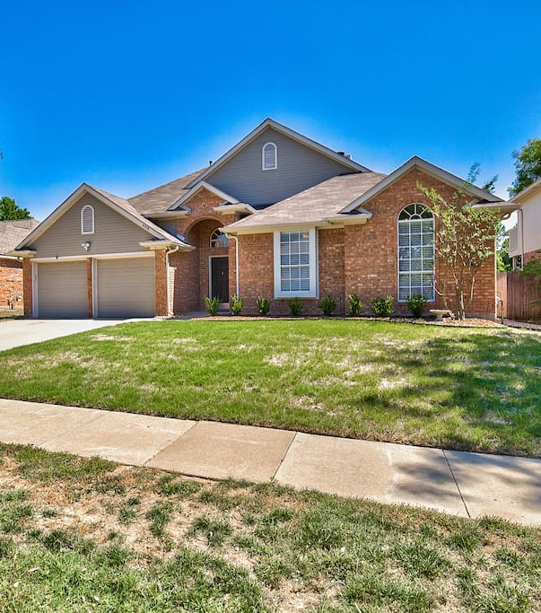 Large, single story West Plano retreat.