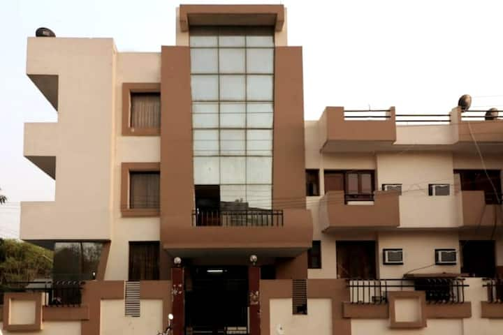 Private and Peacefull Stays at Noida
