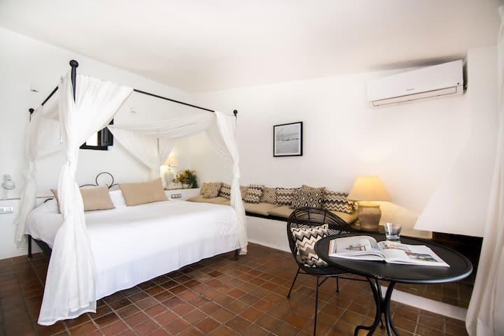 Suite Terraza en Hotel Boutique Torre del Canonigo