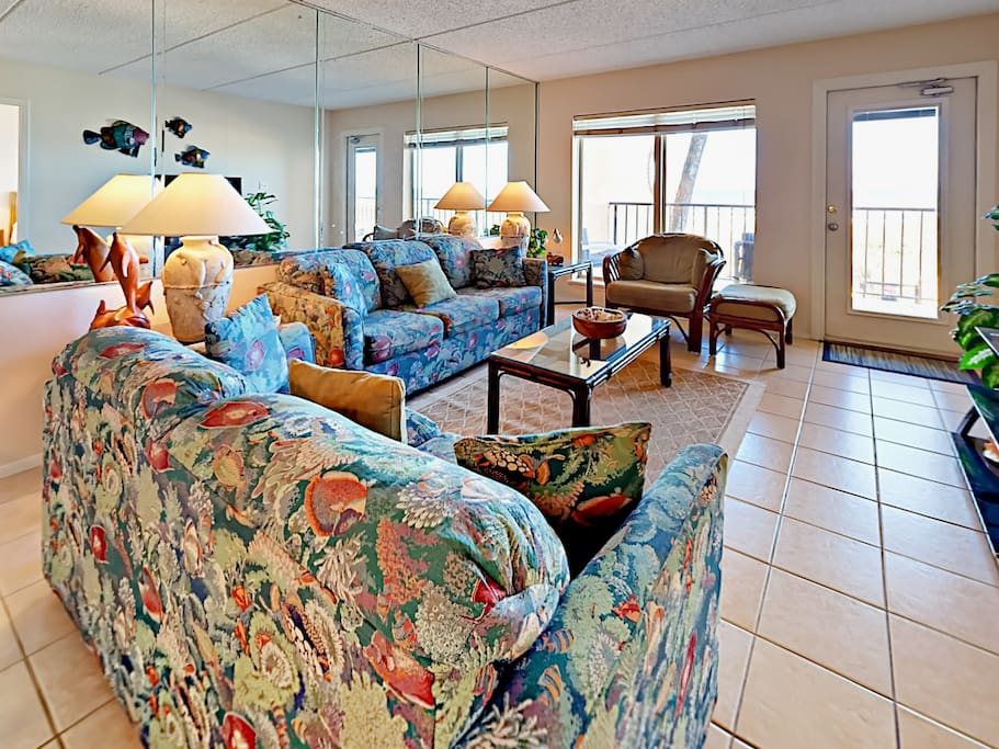 Sprawl out on the sofas in the living room and enjoy  the Gulf views from the 2nd floor.