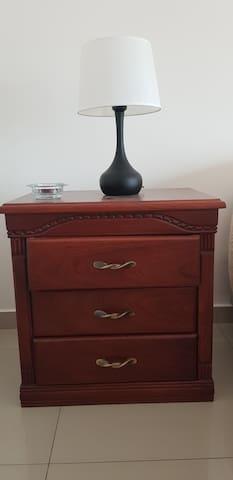 Muebles de madera fina.
