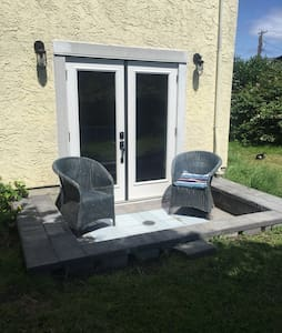 Brand new comfy & cozy near the airport
