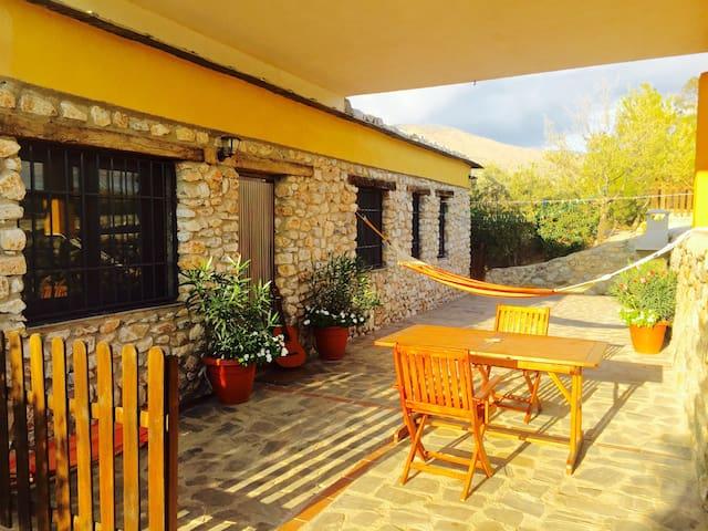 Stone Cottage Paco's Secano - Orgiva  - Blockhütte